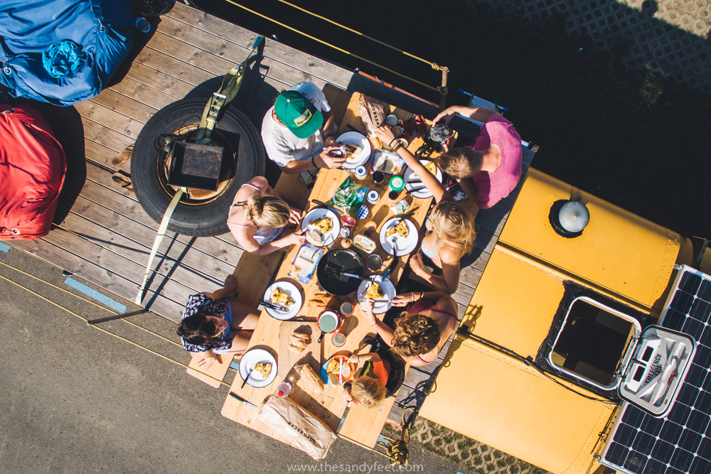 Nomads Bus